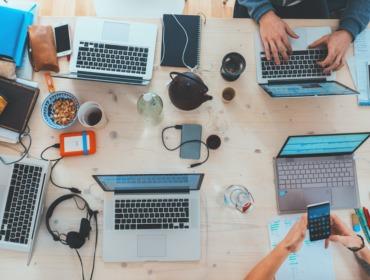 Titelbild Wie Social Media und SEO besser zusammenarbeiten können