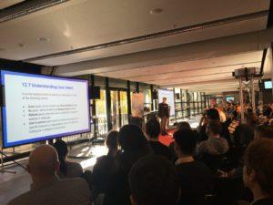 Johannes Beus von Sistrix erklärt, welche Potentiale wir SEOs aus Suchanfragen mit bestimmter Nutzerintention ziehen können