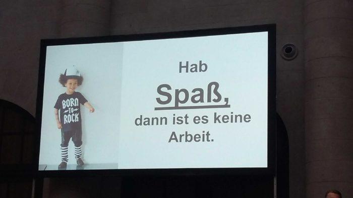 Zu sehen ist die Präsentation von Kai Michael Schäfer