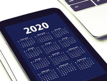 Kalenderansicht für 2020 auf einer App auf einem Smartphone