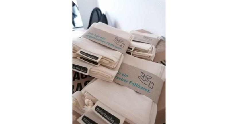 Bild der Projecter Weihnachtsgeschenke für KundInnen: Bienenwachstücher