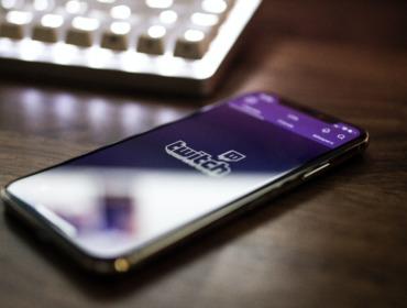 Titelbild Marketing auf Twitch: 5 Besonderheiten der Plattform